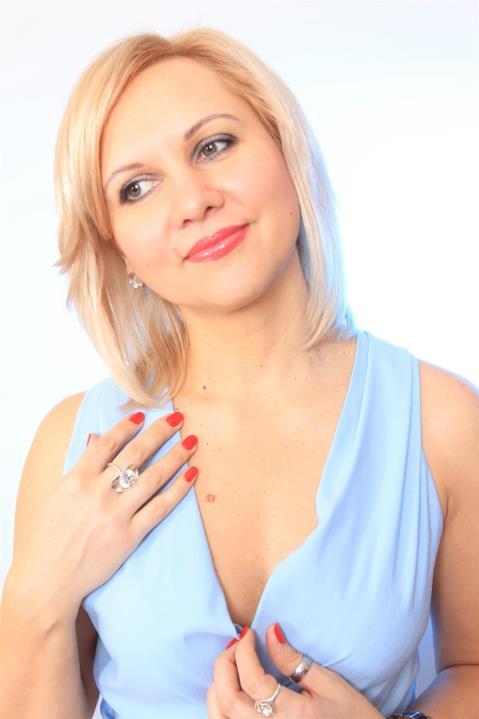 Viktoria (43) aus Poznan auf www.herz-zu-verschenken.pl (Kenn-Nr.: d00218)