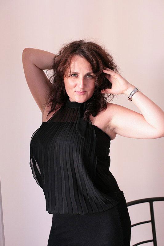 Kasia (44) aus VIP Agent... auf www.herz-zu-verschenken.pl (Kenn-Nr.: d00137)